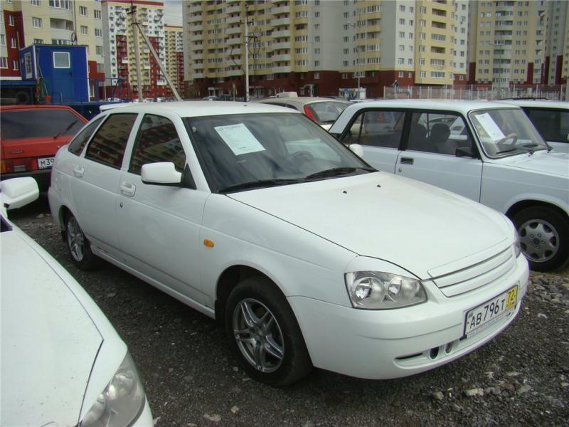 ...Белый Пробег автомобиля: 48900 км. Объем двигателя: 1600 л. Мощность: 81 л.с. Продам автомобиль ВАЗ (Lada) Priora...