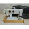 Продам электрическую швейную машинку